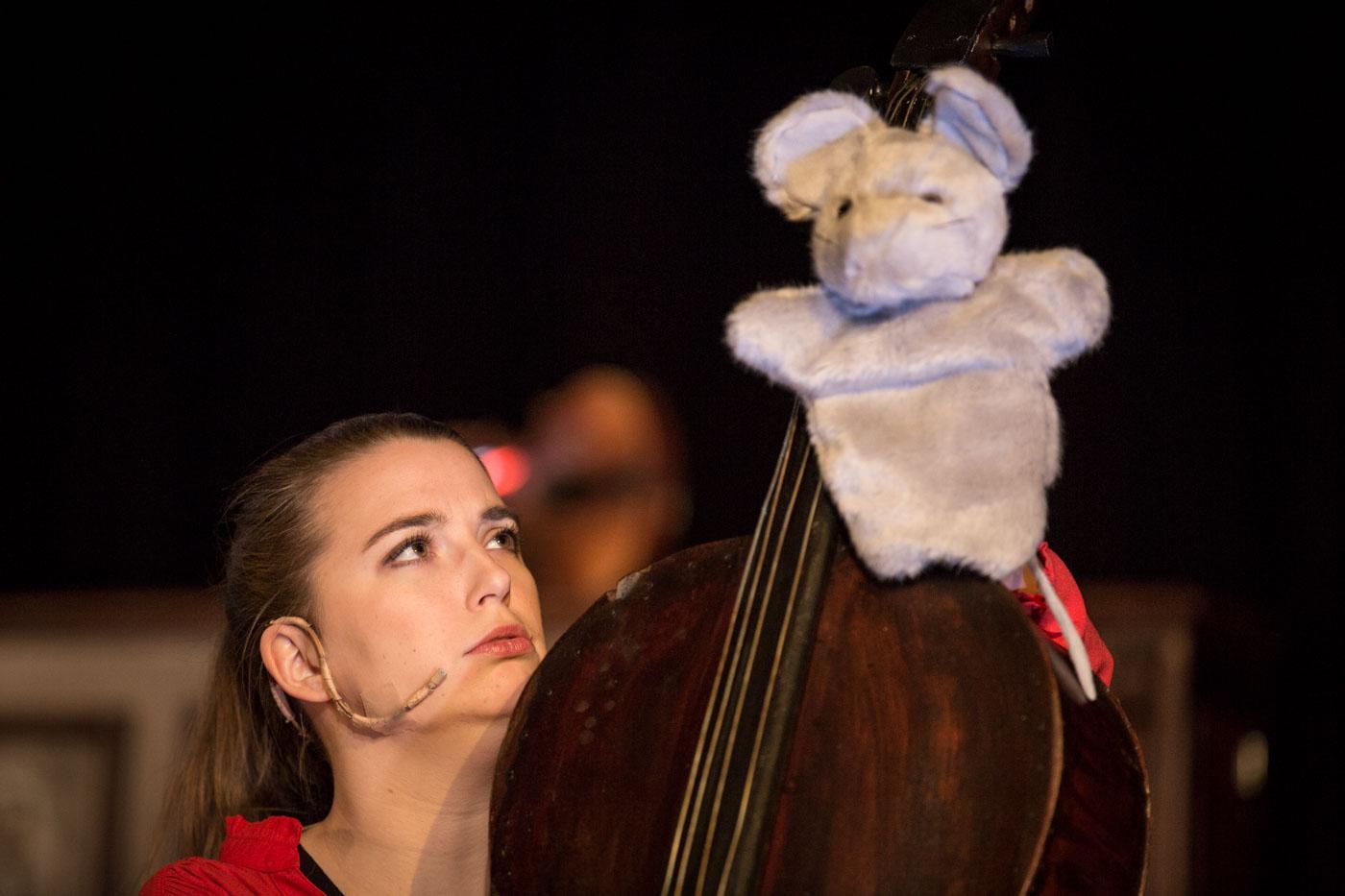 Medved z miško na rami, Foto: Luca Quaia