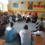 Improkluzija: Gradnja skupinske dinamike v razredu ter aktivno vključevanje napak v učni proces